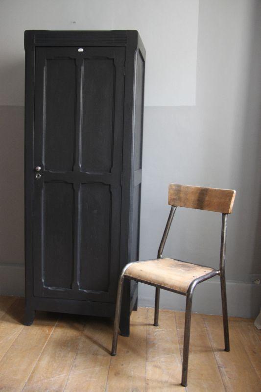 Armoirette noire petite belette for Petite armoire noire