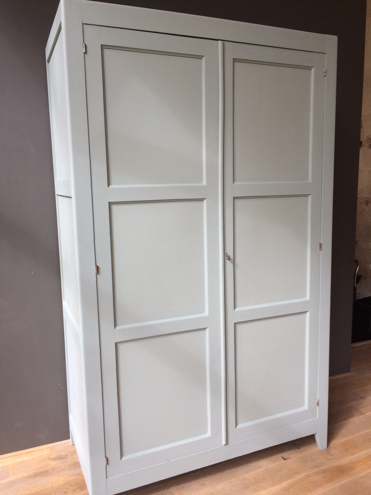 armoire parisienne penderie petite belette. Black Bedroom Furniture Sets. Home Design Ideas